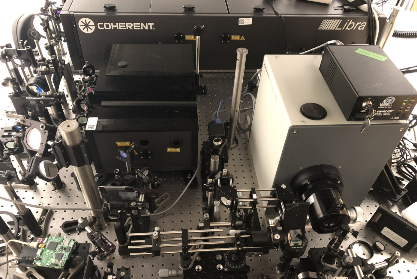 camera that captures light in slow motion invented