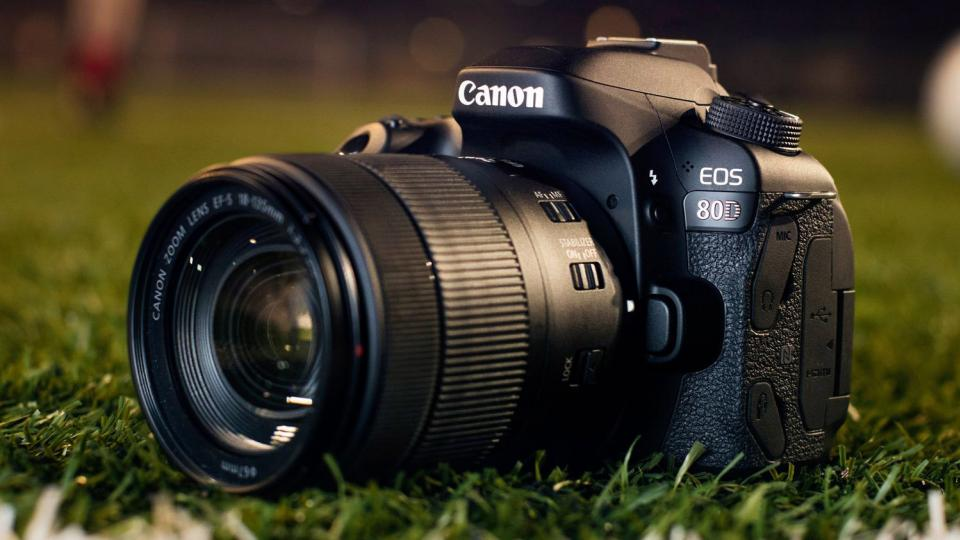 Best DSLR Cameras under 80,000 Rupees